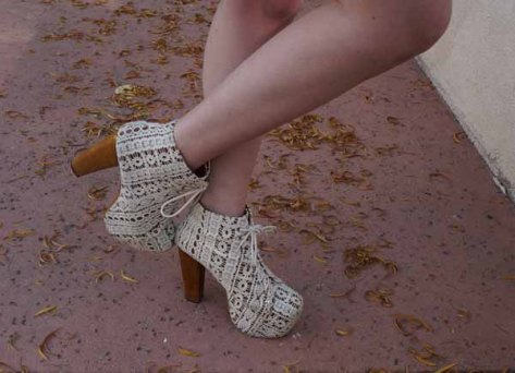I finished off the look with my favorite pair of Jeffrey Campbells. Nothing says let's have a picnic in the grass more than beige crochet platforms.