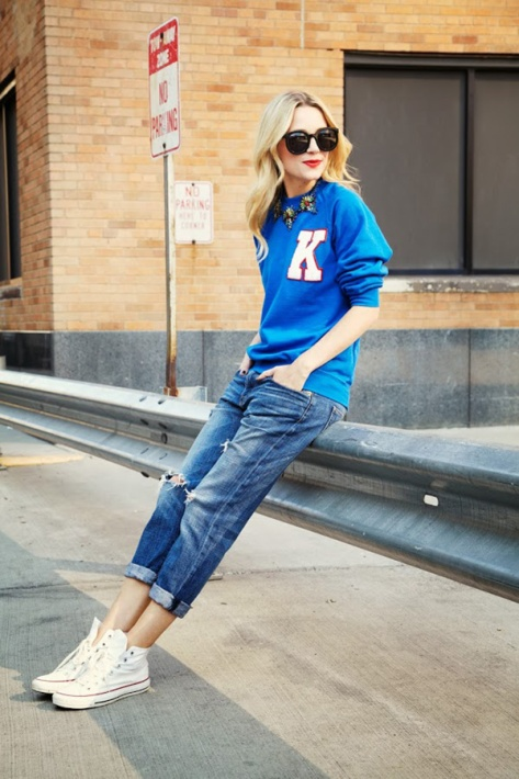 Blair Aedie, of the Atlantic-Pacific fashion blog, shows that simple boyfriend jeans and a pair of converse are all she needs to make her sweatshirt work.