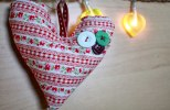 DIY Fabric Hearts by KJ: Totally expanding on this idea for pillows...not now...but at some points in the future.